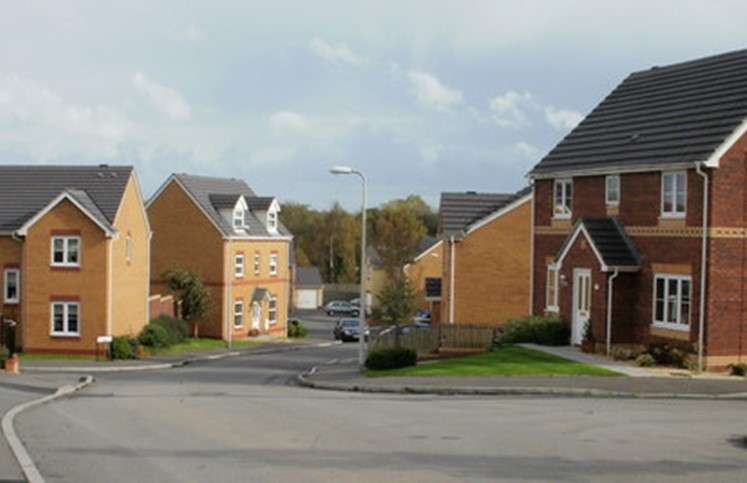 New_housing,_St_Dunstan's_Close,_Griffithstown_-_geograph.org.uk_-_1594701.jpg
